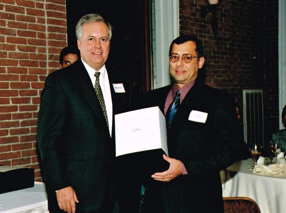 dennis-receiving-outstanding-achievement-award-texaco-malampaya-project-1999